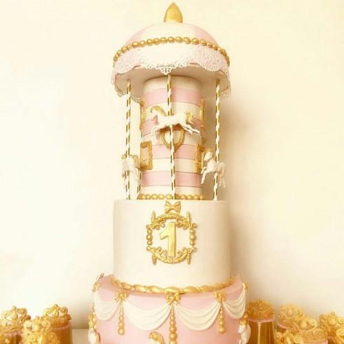 کیک کاروسل