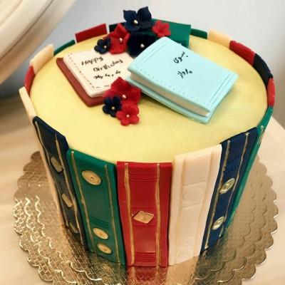 کیک کتابخانه