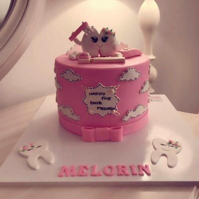 کیک دندونی دخترانه