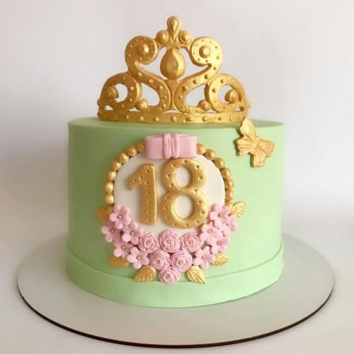 کیک تاج و گل